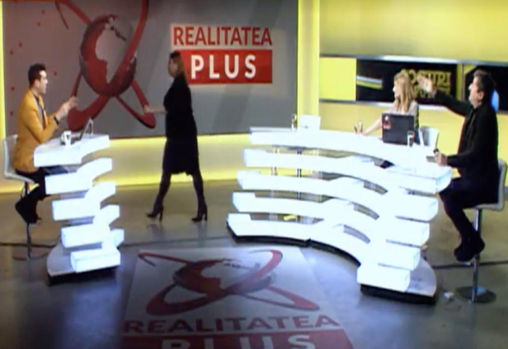 VIDEO Senatoarea Diana Șoșoacă a plecat dintr-o emisiune Realitatea PLUS, după un schimb dur de replici cu jurnalistul Grigore Cartianu