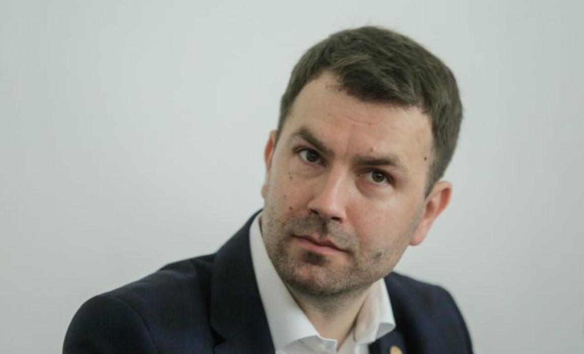 """Primul ministru al Transporturilor care spune: """"Pe-aici nu se (mai) trece!"""""""