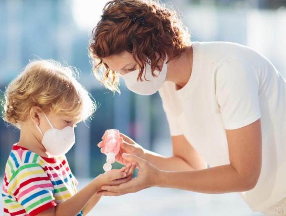 Masca – pentru copiii de la doi ani în sus. SUA coboară vârsta pentru recomandările privind măsurile de protecție anti-COVID