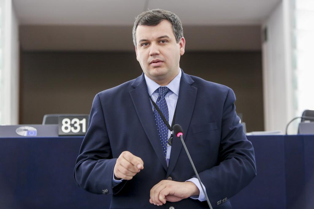 """Eugen Tomac: """"Azi e Ziua foștilor deținuți politic. Să le cinstim memoria, au murit în chinuri groaznice"""""""