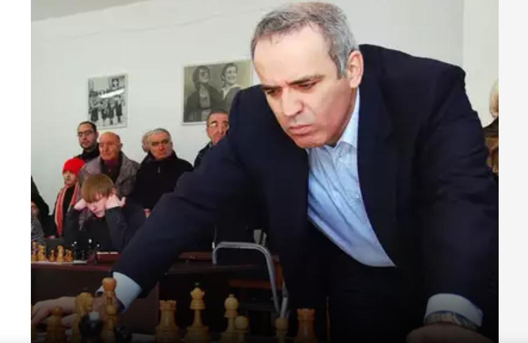 """Garry Kasparov, în Washington Post: """"Sancțiunile Occidentului pedepsesc marionetele lui Putin. Putem fi complici"""""""