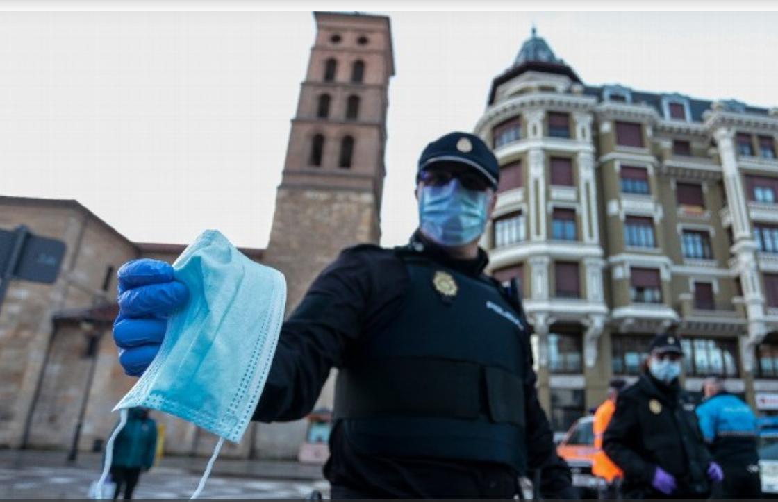 În Spania, purtarea măștii devine obligatorie, oriunde și indiferent de distanța dintre persoane