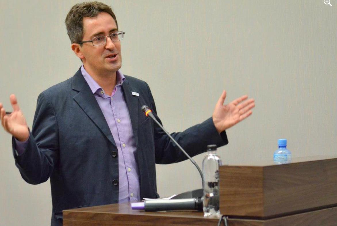 """Sorin Ioniță: """"Ce dilemuţe penibile, în cazul Octav Bjoza şi argumentări căznite, cu prune în gură!"""""""
