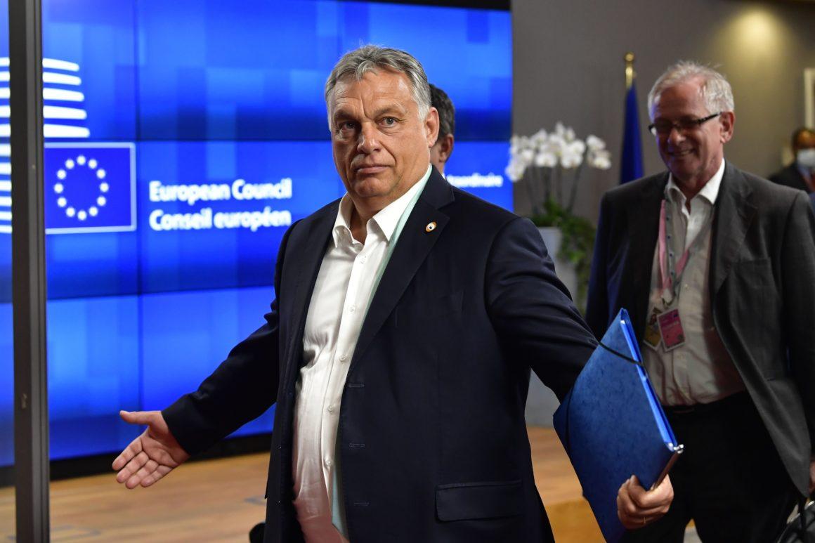 Ungaria, prima la vaccinare, prima la moarte. Viktor Orban a folosit masiv serurile rusesc și chinezesc