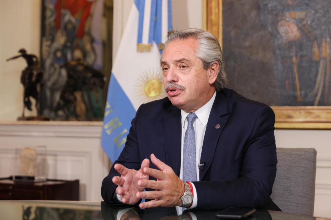 Președintele Argentinei, infectat cu COVID la două luni după rapelul cu vaccinul rusesc Sputnik V