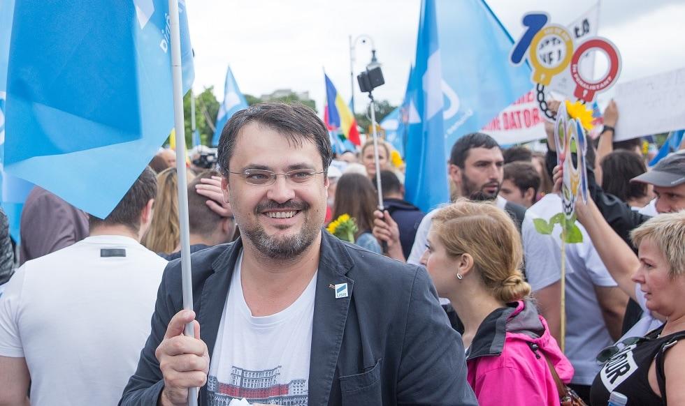Ghinea aruncă în aer coaliția. Atac dur la PNL, via Nicușor Dan, și refuzul de a stinge crizele de la București și Iași