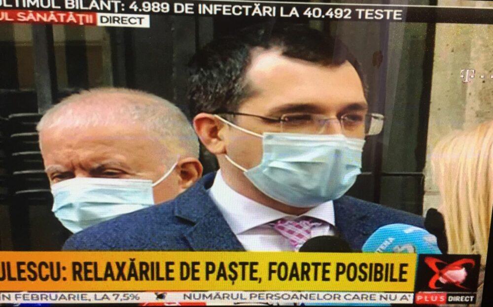 """Vlad Voiculescu se ia la trântă cu Antena 3 și România TV: """"Văd aici microfoane…"""". Gâdea contraatacă"""