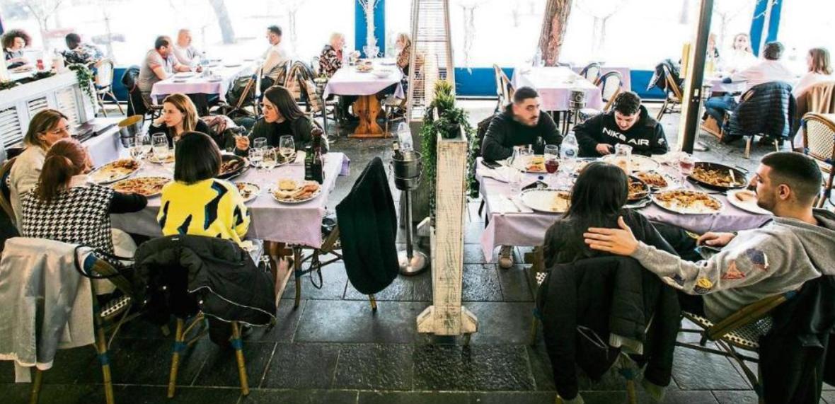 Experiment COVID la Barcelona: 20 de restaurante deschise cu 100% capacitate și fără distanță între clienți