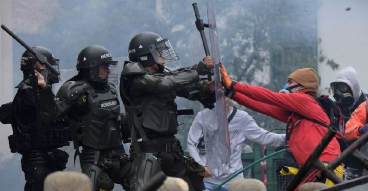 Și tu, Columbia? Cea mai stabilă democrație din America de Sud cade pradă violențelor fără precedent