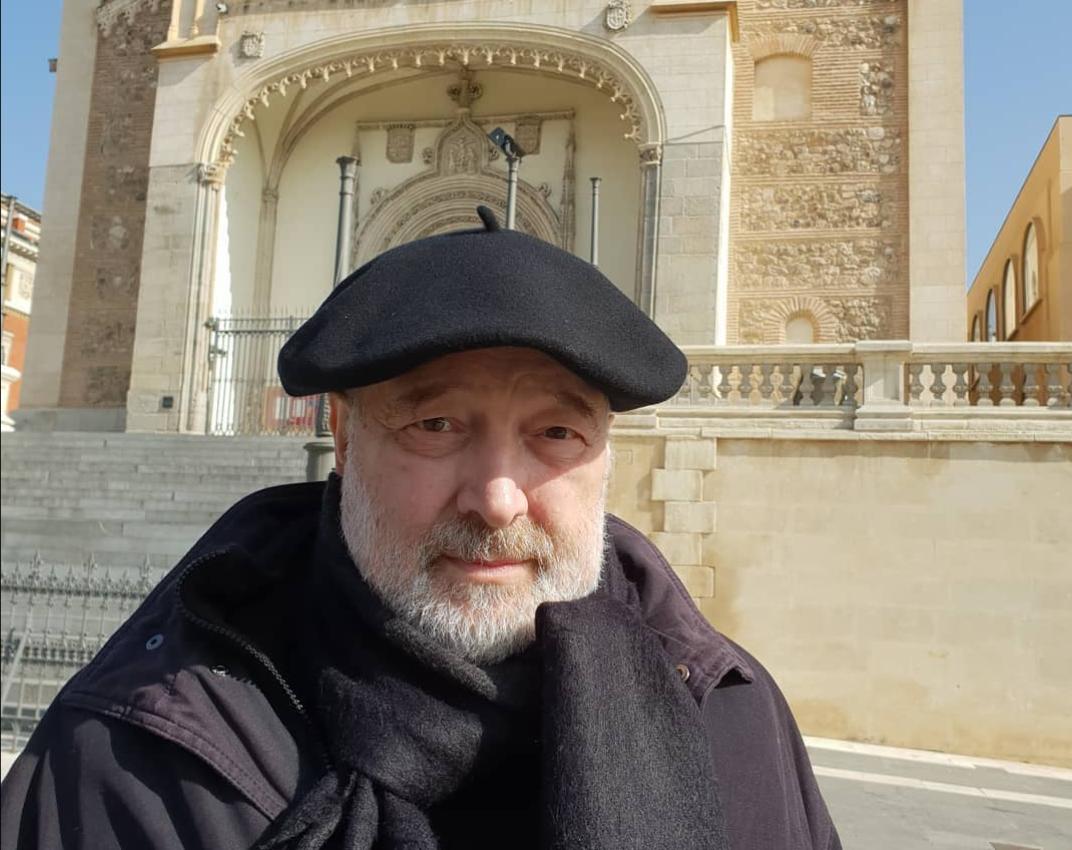 """Stelian Tănase: """"Scriitorii nu se respectă, se detestă fratern între ei. Trăiesc în găști, triburi, clanuri clientelare"""""""