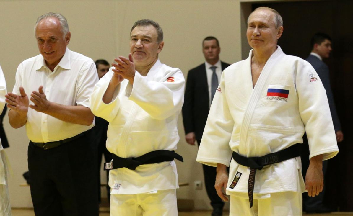Cine sunt cei mai puternici oameni din jurul lui Putin și cine conduce Rusia: ei sau el?
